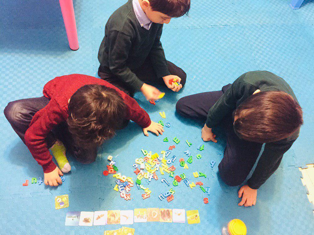 یادگیری رسمی یا یادگیری زبان به شیوه زبان مادری
