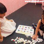 آموزش زبان انگلیسی به کودکان زیر ۳ سال